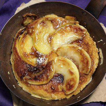 Karamellisierter Apfelpfannkuchen