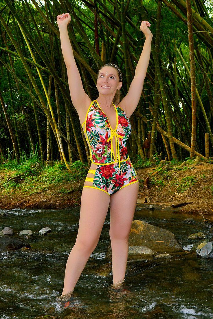 TULIPAN 9 Vestido de baño 1 piezas Trikini en panty, brasilera