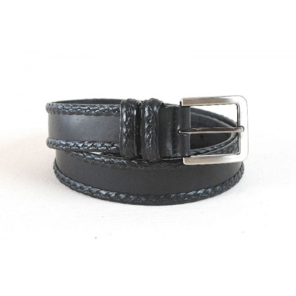 Leather belt decorated with leather mignon around, 40 mm width.