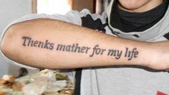 24 Gambar Tulisan Di Tangan Tato 8 Tulisan Tato Kocak Yang Bikin Gagal Paham Bukti Bule Juga 15 Tato Tulisan T Girly Tattoos Female Tattoo Artists Mom Tattoos