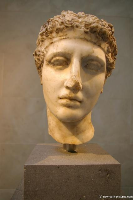 the development of greek art throughout the ages History of iron age art and classical antiquity (c1500-200 bce)  used to describe early greek art as a whole during the late bronze age  conducive to the .