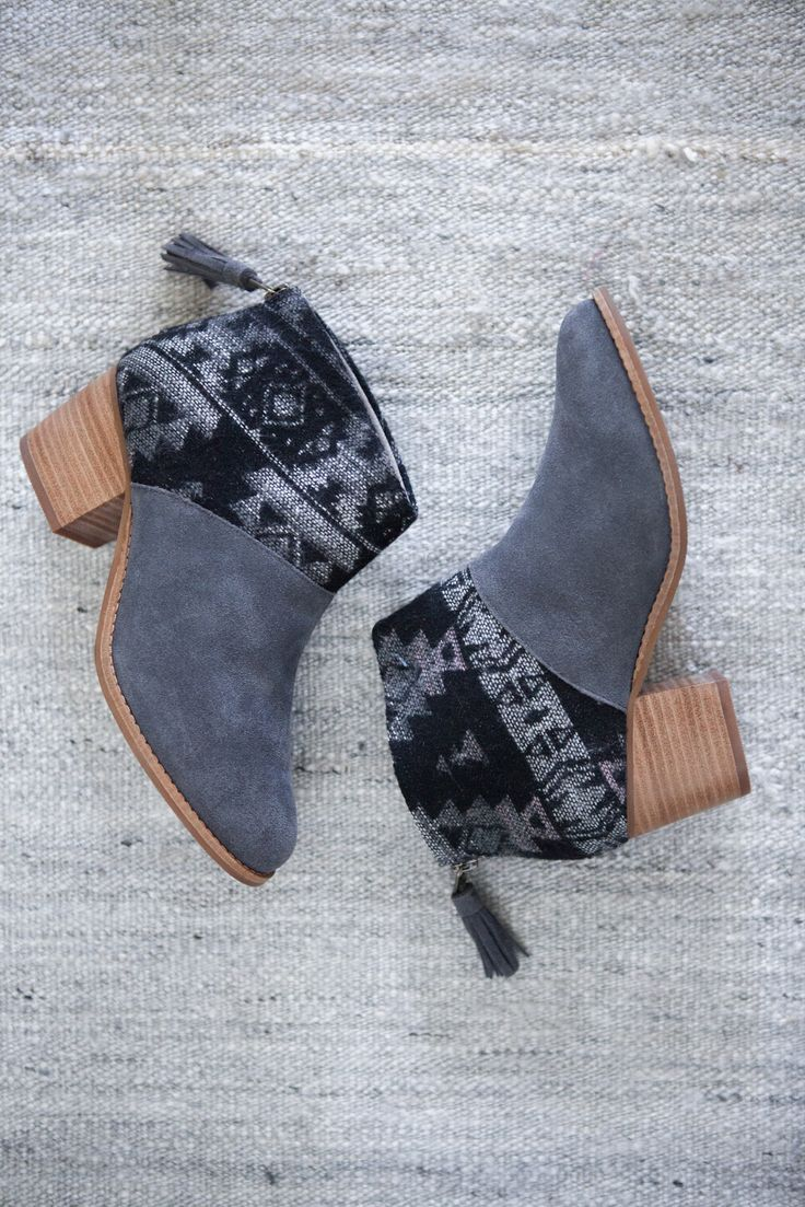 A mix of suede and tribal print wool makes these TOMS Leila ankle boot the perfect option for fall.