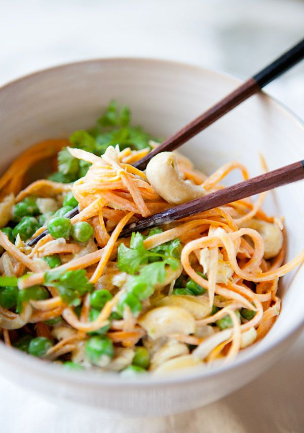 THAI GREEN CURRY & SWEET POTATO NOODLE BOWL - a house in the hills  #vegan #glutenfree