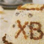 Пасха с грецкими орехами и взбитыми сливками  Для приготовления блюда Пасха с грецкими орехами и взбитыми сливками необходимы следующие ингредиенты: 600 гр творога, 200 гр сахара, 100 гр грецких орехов, 3 штуки желтка яичных, 50 гр сливок взбитых, цедра лимона тертая, чуть-чуть ванилина (на кончике ножа).
