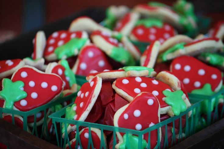 Decorated Strawberry Cookies #recipe