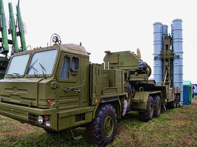 Russian surface-to-air missile system S-300