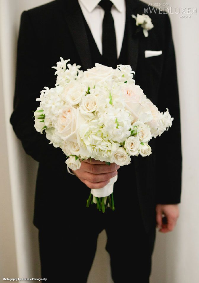 Roses, hydrangea and paperwhite's bouquet