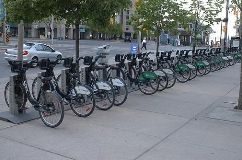 Vai fazer um intercâmbio em Toronto? então conheça o novo sistema de bicicletas compartilhadas da cidade!