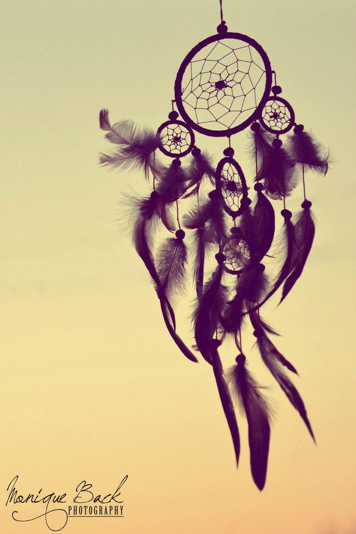 http://fucute.deviantart.com/art/Dreamcatcher-Silhouette-439924319