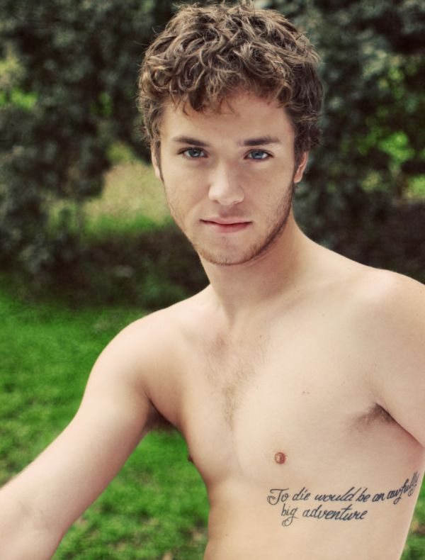 Jeremy Sumpter Also Known As Peter Pan Has A Peter