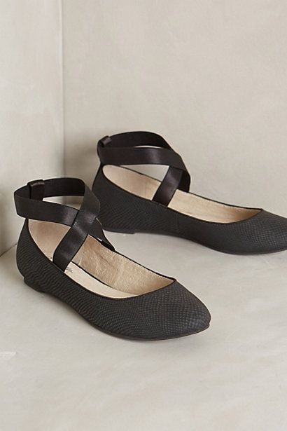 Platte, zwarte schoenen