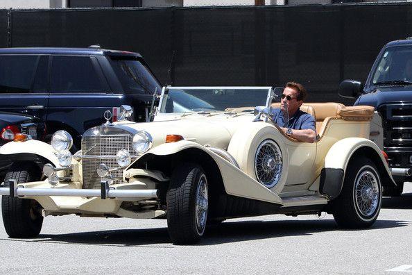 @Arnold Schwarzenegger in a beautiful classic carCruz Dela, Cars Speed, Dela Cruz, Classic Cars, Beautiful Classic, Excalibur Cars, Cruz Schwarzenegger, Arnold Schwarzenegger, Arnold Dela