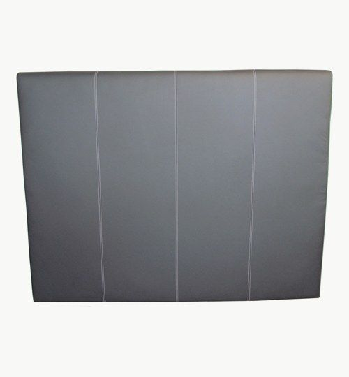 Specialdesignad sänggavel, bredd 180 cm, höjd 140 cm. Skinn: Lambada från Nevotex med vita sömnader Färg: 1000 black