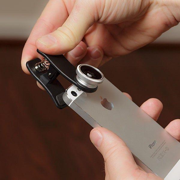 Lente Optica Para Telefono Móvil 3 en 1 - Ojo de Pez, Gran Angular y Macro - http://complementoideal.com/producto/lente-para-movil-3-en-1-ojo-de-pez-gran-angular-y-macro-modelo-9736/  - Obtenga el máximo provecho de su smartphone o tablet y expanda su creatividad haciendo fotos en macro, y ojo de pez! Obtenga el máximo provecho de su smartphone o tablet y expanda su creatividad haciendo fotos en macro, gran angular y ojo de pez! Con la lente macro, podrá fotografiar las p