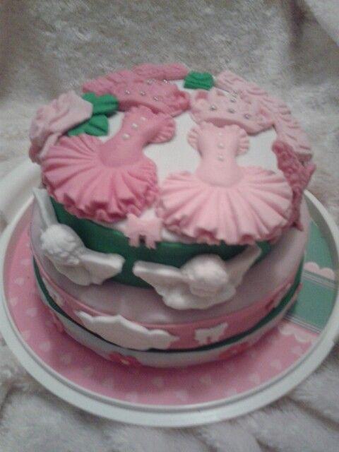 Ikiz prenseslerin butik doğum günü pastası Haniel davet ve organizasyon