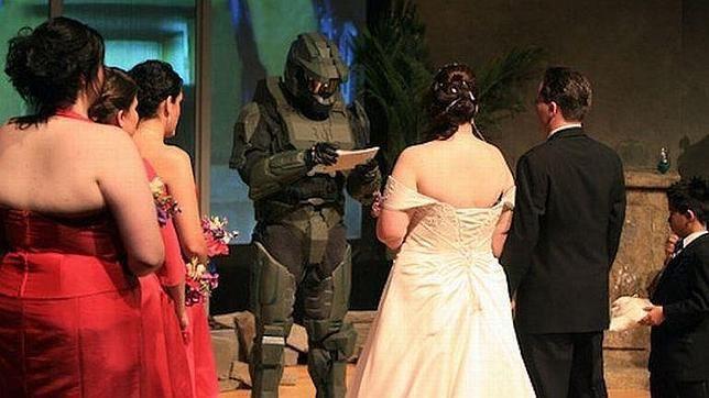 oficiante de ceremonia Forerunner, protagonista saga videojuegos Halo