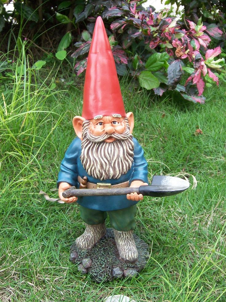 China animation designs tiny humorous garden gnomes homunculus for home