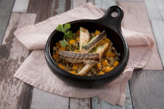 Aiguillettes de daurade aux zestes de citron vert, risotto au quinoa et à la mangue | Atelier Poisson