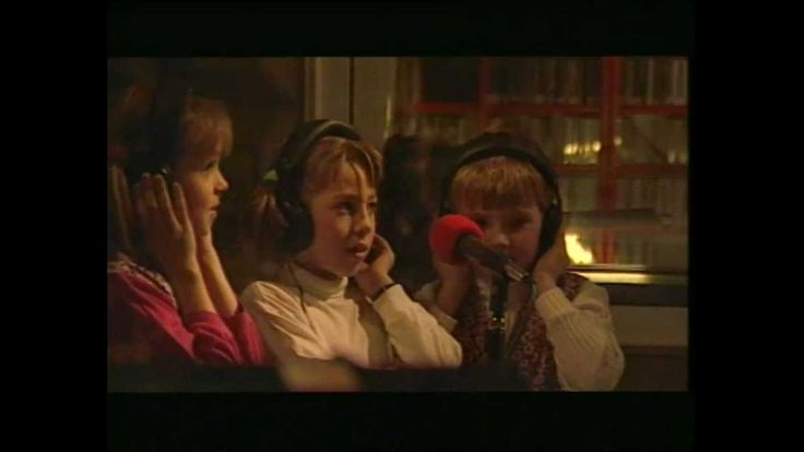 DAMIAN HOLECKI -PRZEBACZENIA CZAS (Young in this song)  Cute with the kids
