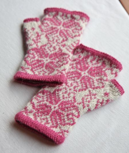 wonderland fingerless mitts pattern by jenn wisbeck - ravelry
