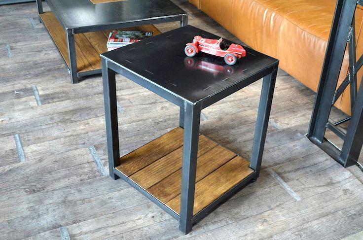 bout de canap au style industriel r alis en acier et ch ne fabrication sur mesure nos. Black Bedroom Furniture Sets. Home Design Ideas
