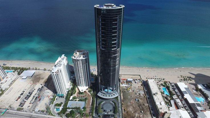 포르쉐가 아파트를 지었다. 지난 3월 미국 플로리다 남부 서니 아일즈 비치(Sunny Isles Beach)에서 '포르쉐 디자인 타워'가 문을 열었다. 총 60층짜리 이 아파트