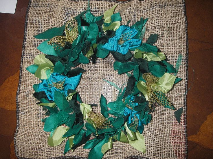 Traditional rag-rug technique used to create beautiful Christmas wreath