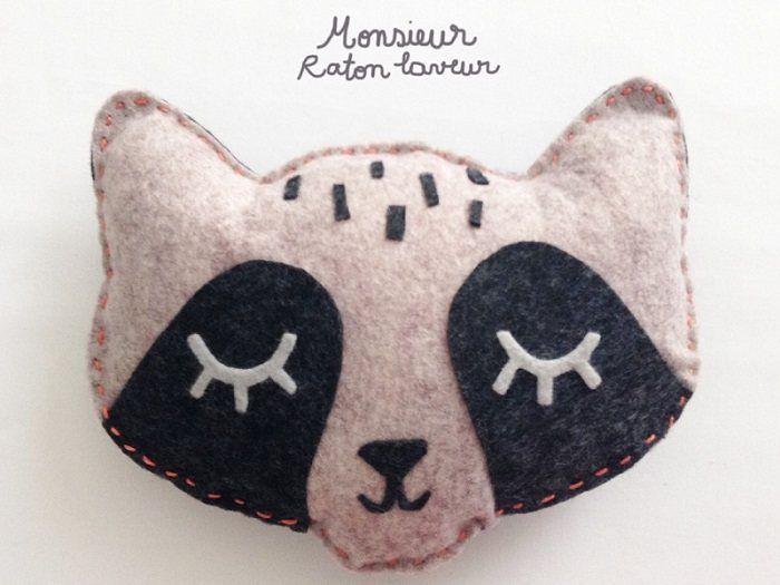 La boutique Laura Jane Paris nous propose ici un #tutoriel tout doux pour réaliser Monsieur raton-laveur ! #couture