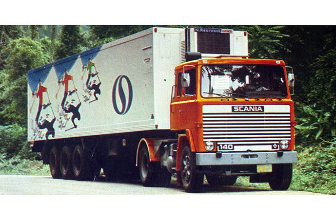 Mais moderno caminhão brasileiro da época, o LK 140 (aqui com cabine-leito) foi lançado no IX Salão do Automóvel.