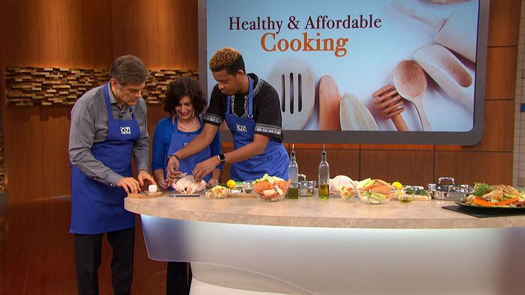 Chef Roble Ali on How to Roast the Perfect Chicken: Chef Roble Ali shows Dr. Oz and a viewer how to prepare and roast a chicken recipe that he made on Fox's Empire.