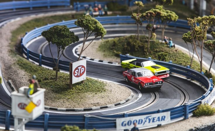 View David Beattie Makes the World's Most Extravagant and Realistic Slot-Car Tracks [Sponsored] Photos from Car and Driver. Find high-resolution car images in our photo-gallery archive.