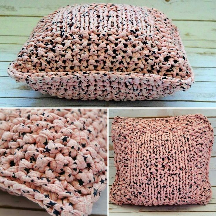 T-shirt yarn. Falling Stars Knitted handmade pillow by DLThandmade. Pink with print Black Stars.   Size: 40x40 cm #DLThandmade #passionforknitting #hoookedzpagetti