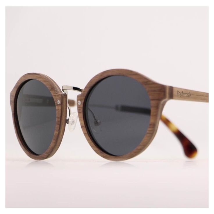 Introducing the Sara, handmade from recycled wood x combined with epic metal detailing! Available now, link in bio! ✌🏽️🌴👓 www.topheads.com.au #topheads #topheadscrew #eyewear #wood #bamboo #metal #skateboard #sunglasses #sunnies #beawesome #gercreative #bondi #kirra #manlybeach #narrabean #kiama #surf