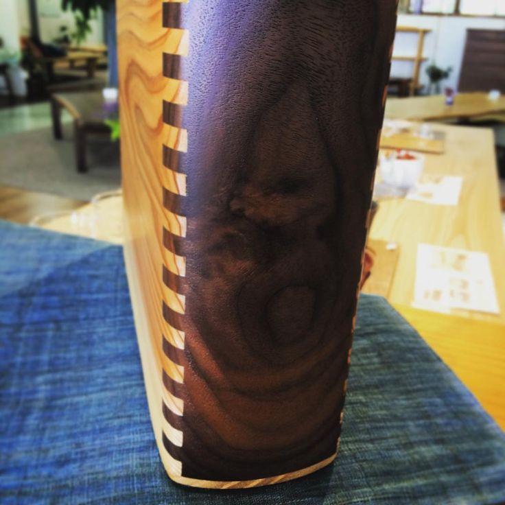 ウッドバッグのこの部分が個人的に好きです。  #木工房ひのかわ#三代目#無垢材#家具#家具工房#オーダー家具#ウォールナット#walnut#furniture#woodworking #woodwork#japanesestories#アラレ組み#ウッドバッグ#県産材#japan#杉#bag#ショールーム#インテリア#2016年6月14日#九州#木工#八代#熊本#バッグ#interior#デザイン#design#wood