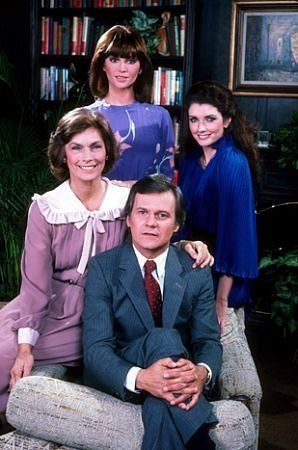 Dallas 1978: Pamela Ewing, Katherine Wentworth, Cliff Barnes, Rebecca Wentworth  -- original style, makeup, outfits, etc. (IMDB)