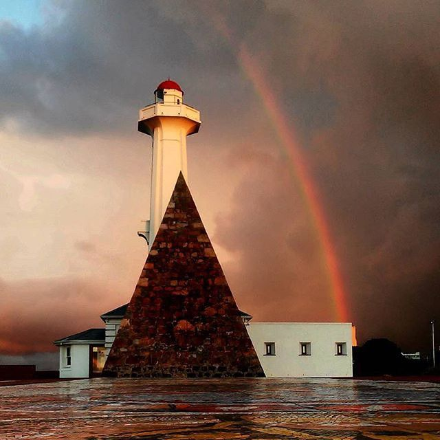 Somewhere over the rainbow, your dream vacation is waiting for you in #SouthAfrica! Great capture by Instagram user @el_herve