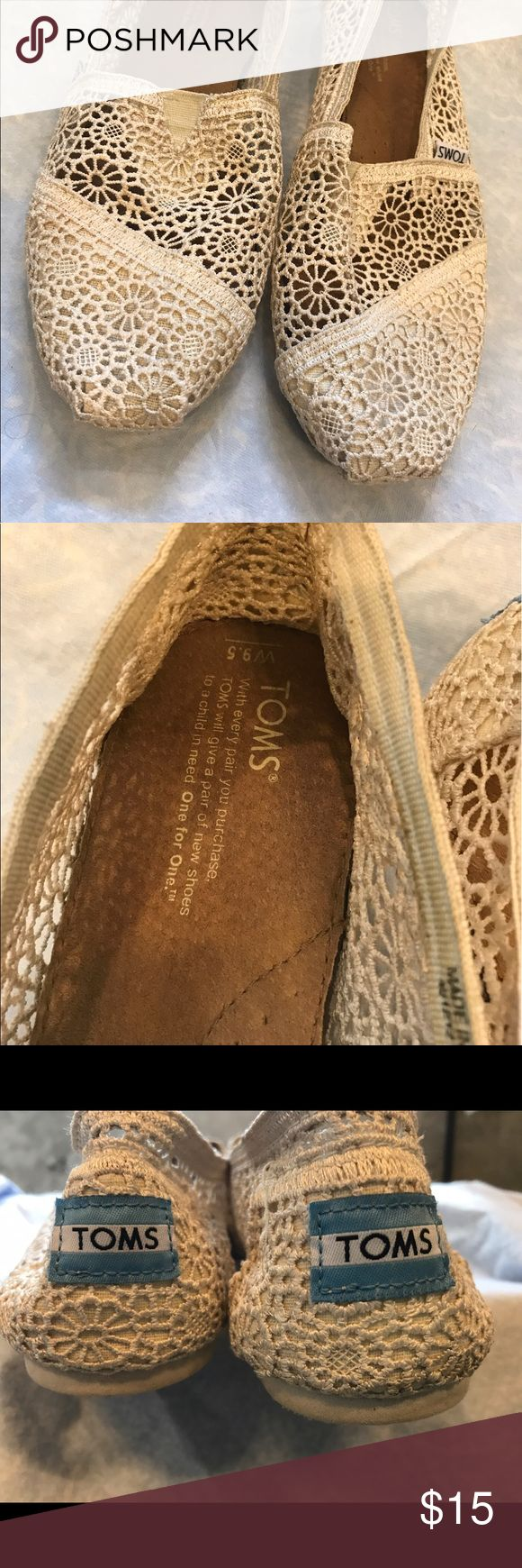 Ivory Lace Toms. Size 9.5/10 Women. Gently Worn Ivory Lace Toms. Worn in a wedding once. Only sign of wear is on the bottom. Match everything. Very comfortable. 9.5 Women. Fit size 10. TOMS Shoes Flats & Loafers