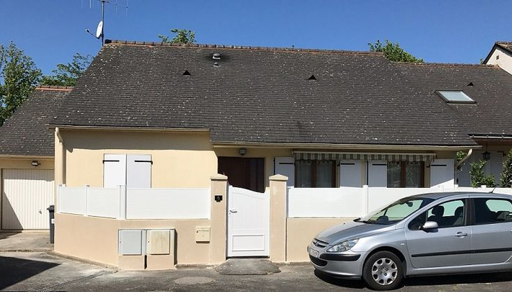 Clôture pvc PERELLO et portillon pvc HOUAT chez M.et Mme D. à TOURS (37)