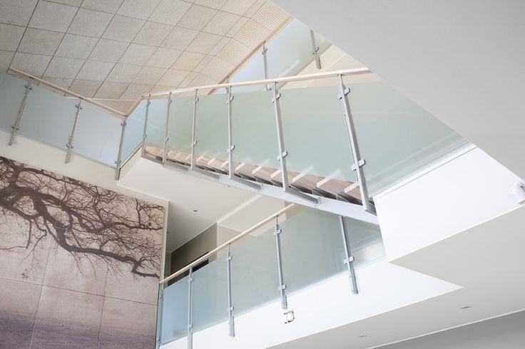 Villa Elpidan korkean tilan akustointi on huomioitu suunnittelussa, lisää ideoita rakentamiseen www.lammi-kivitalot.fi