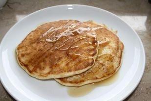 Einfacher und unkomplizierter gehts kaum: Ein weiteres tolles Rezept für Protein-Pancakes.