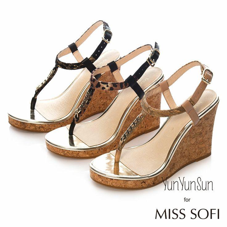 MISS SOFI x 孫芸芸-Anna蕾絲布紋鍊條夾腳楔型跟涼鞋-卡其 - Yahoo!奇摩購物中心