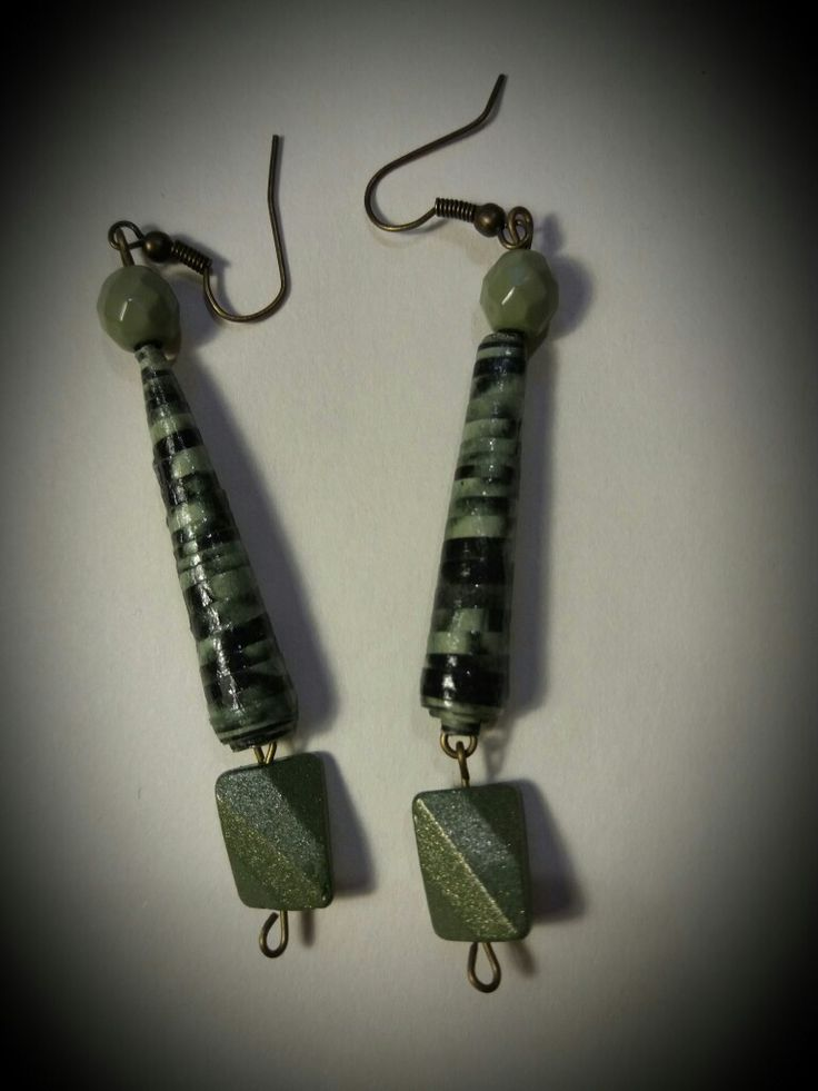 Paper beads for this original pair of earrings by Caià  Visit my shop Ca-Ia.alittlemarket.it