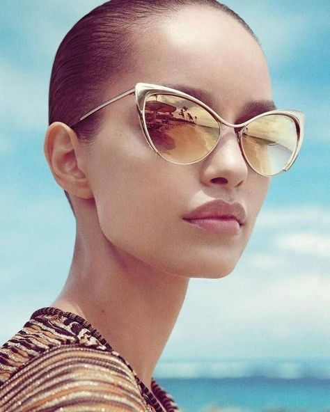 eec175b18044 Nastasya Styleish Cat Eye Mirrored Reflective Lenses Metal Gold Sunglasses  Def