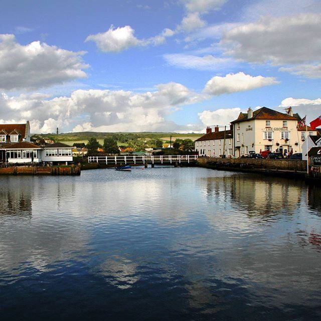 Looking across the River Brit in Bridport, Dorset, to the George pub. Beautiful location in Saving Anna.  #savinganna #jaketalbotinvestigates #JTI2 #mystery #Dorset #amwriting #writer #writing #landscape #georgepub #novellocation #photo #photography #travel