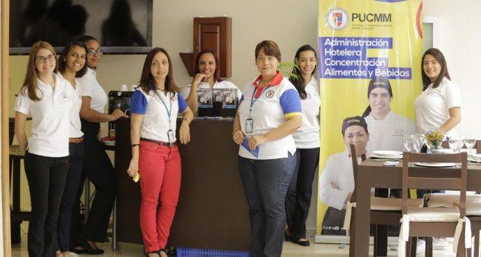 PUCMM Realiza Feria Para Orientar La Vocación De Los Nuevos Estudiantes