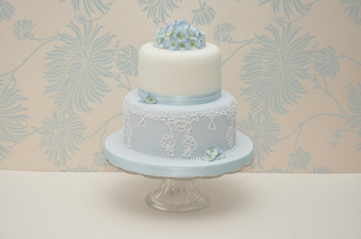 embroidered lace wedding cake white icing 22 best blue and white wedding cake images on 14011