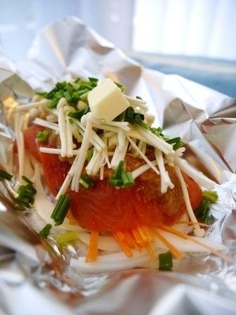 鮭の味噌バターホイル焼きと晩ごはんの献立 by PONCYANさん | レシピ ...