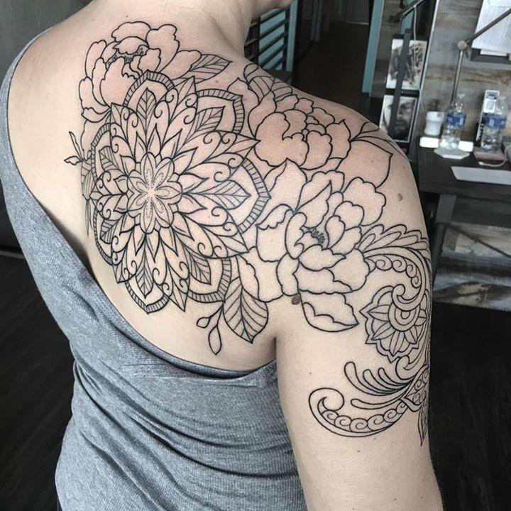 Best 25 Mandala Sternum Tattoo Ideas On Pinterest: 25+ Unique Mandala Chest Tattoo Ideas On Pinterest