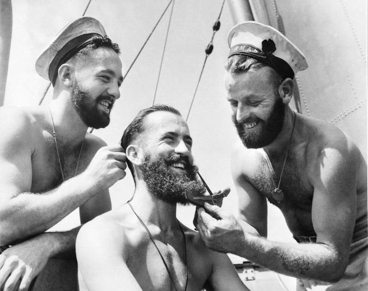 Funny Vintage Photos Show Soldiers Take Care of Their Beards at War