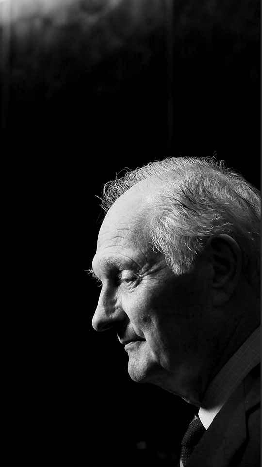 Alan ALDA (b. 1936) [Filmsite] > Walter McBride/Getty Images